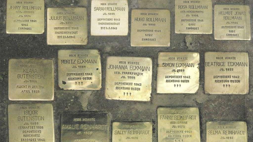 Heusenstamms Stolpersteine vor dem Verlegen im alten Ort im Jahr 2007.