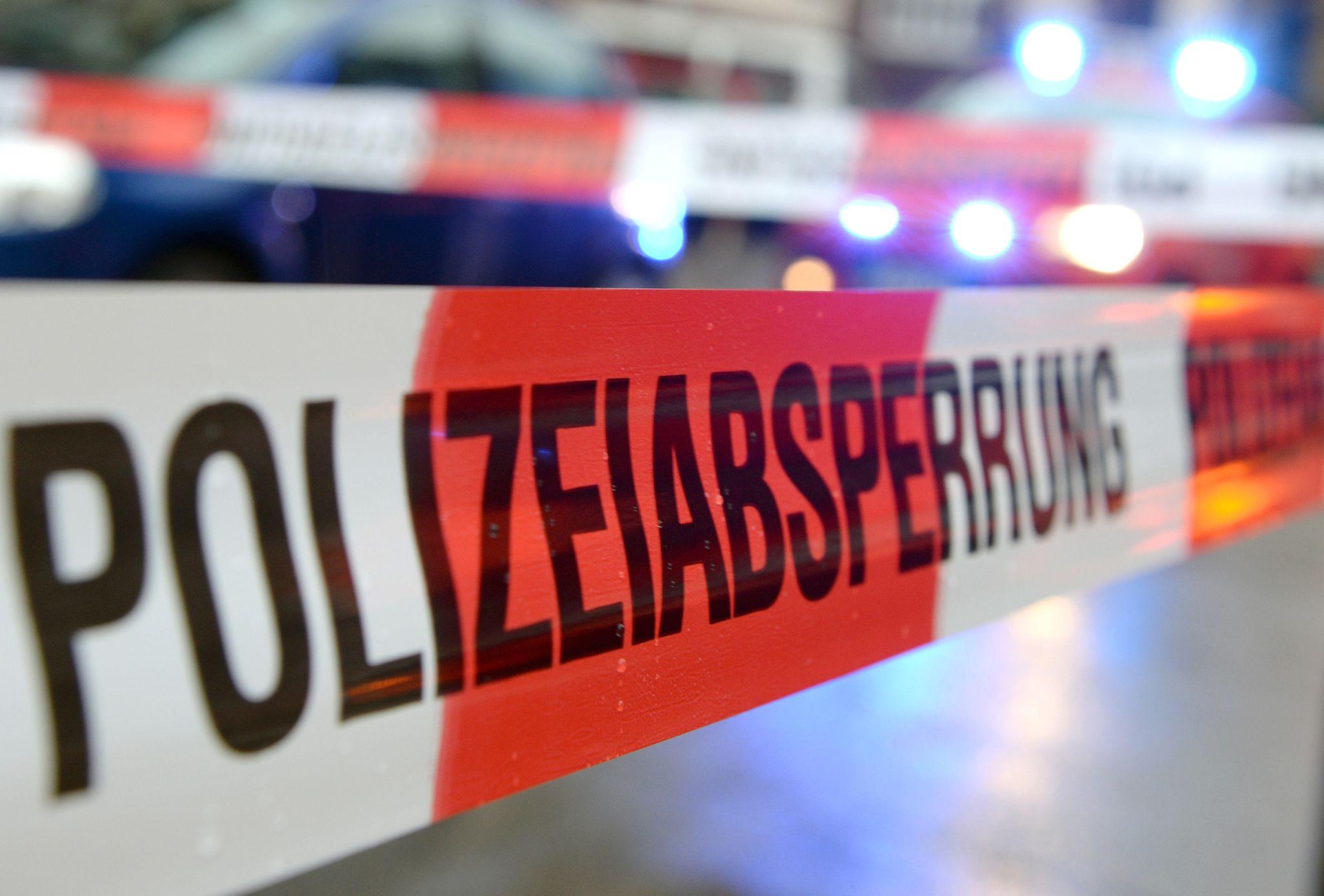 """Junge Frau getötet: Polizei nimmt Freundin fest ‒ Leiche zeigt Anzeichen """"scharfer Gewalt"""""""
