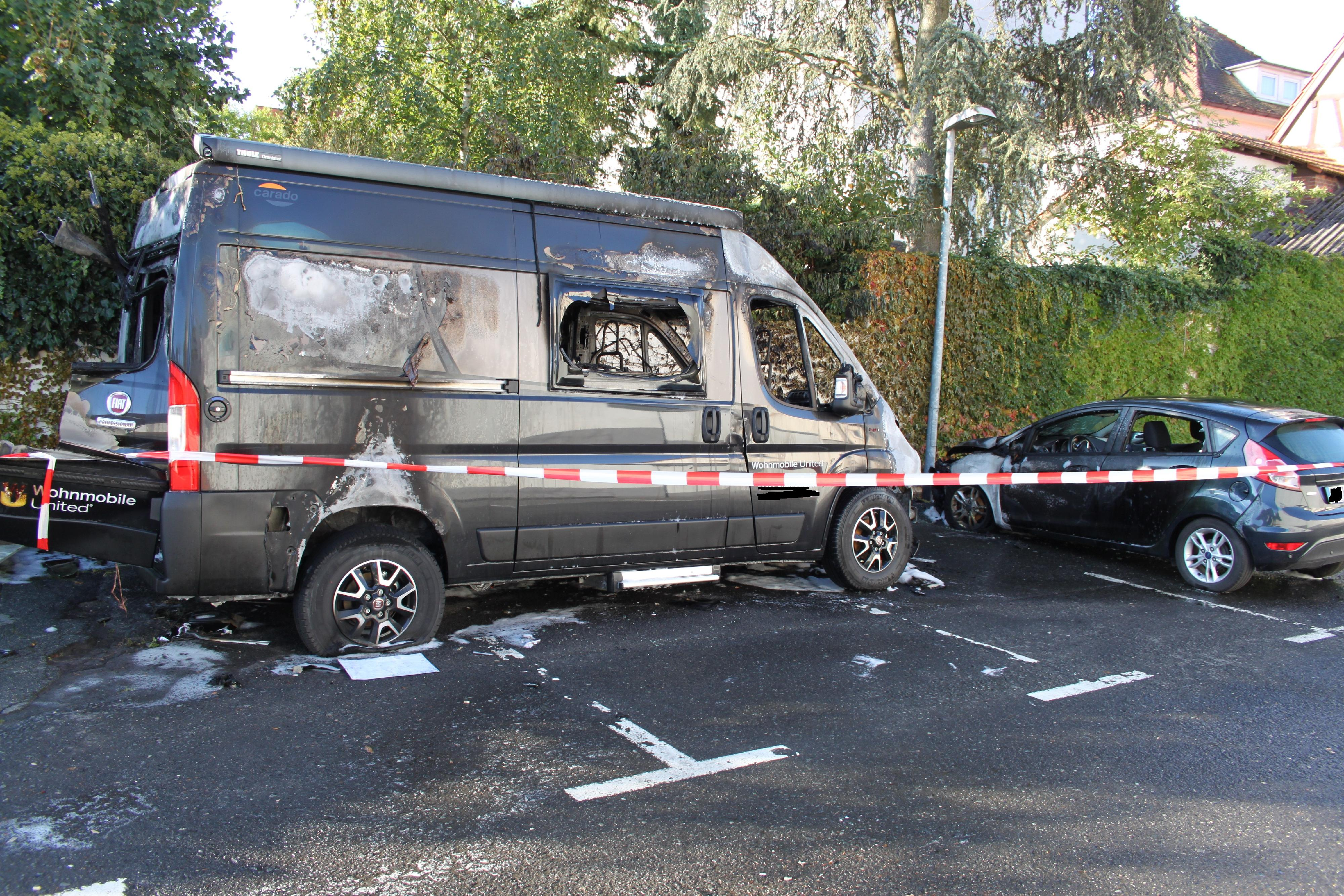Corona-Testmobil in Brand geraten