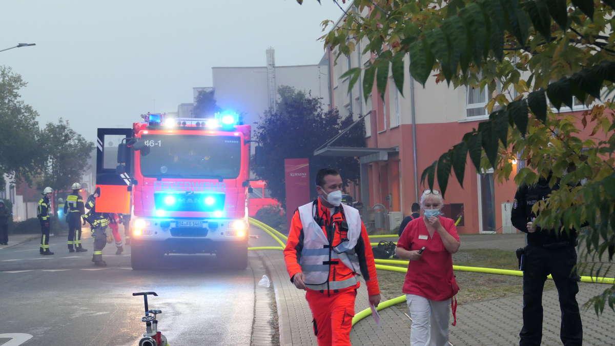 sechs-verletzte-bei-zimmerbrand-in-seniorenheim